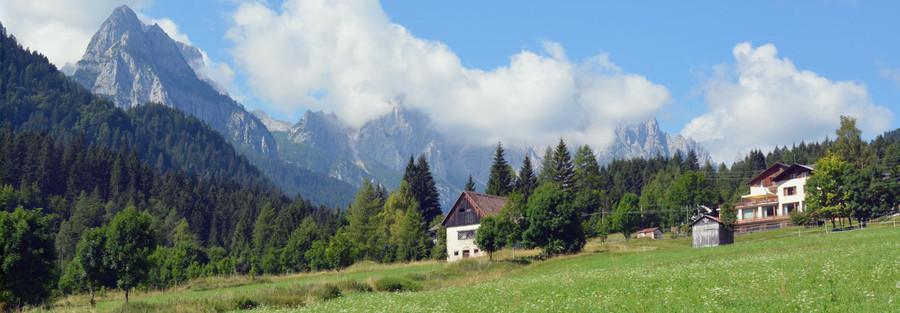 Turismo - Forni Avoltri: all' Hotel Miravalle la stagione invernale inizia prima