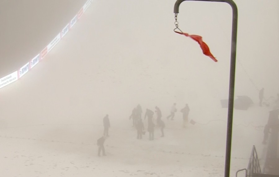 SALTO - Coppa del Mondo maschile: troppo vento, cancellata la gara di Oslo