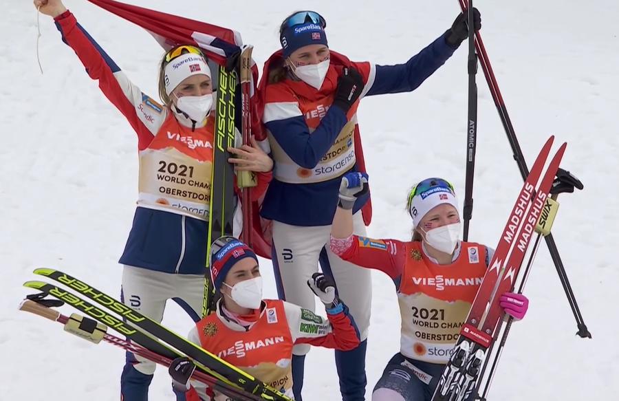 Sci di Fondo - Norvegia oro iridato davanti a una coriacea Russia nella staffetta femminile. Disastro Svezia