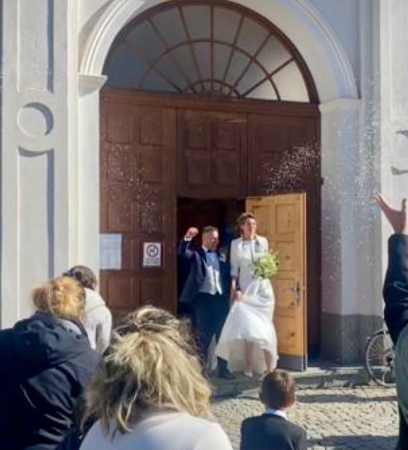 Grande festa a Livigno: il presidente di Apt Luca Moretti ha sposato Veronica Martinelli