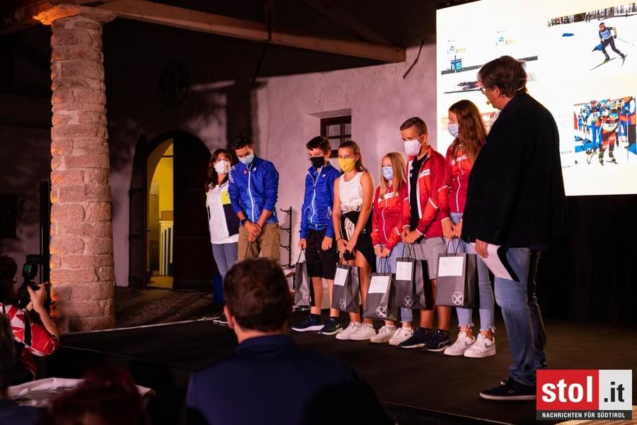 I biathleta premiati: allievi Selina Hochrainer, Hannes Bacher. RAGAZZI Wanker Tania, Braunhofer Andreas