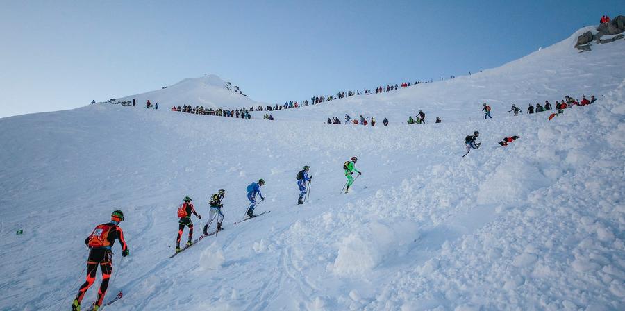 (foto - pagina fb adamello ski raid)