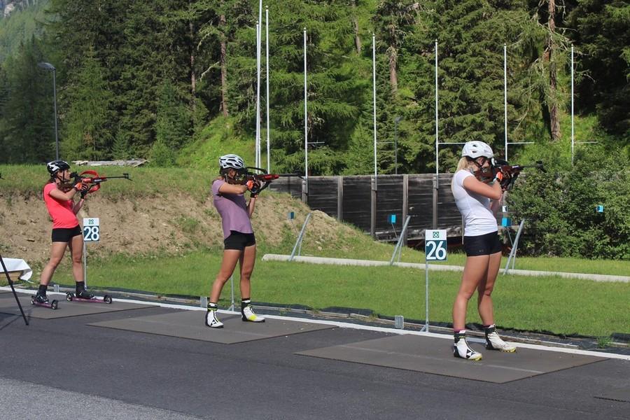 FOTOGALLERY - Biathlon, la nazionale austriaca si allena in Val Martello