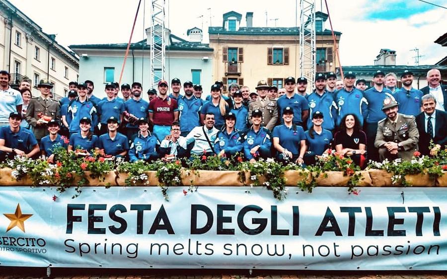Aosta: il Centro Sportivo Esercito di Courmayeur ha celebrato i suoi atleti, grande festa in piazza Chanoux!