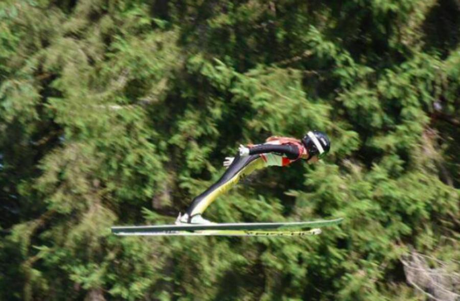 Salto Femminile: tre giovani saltatrici azzurre si allenano con Janko Zwitter