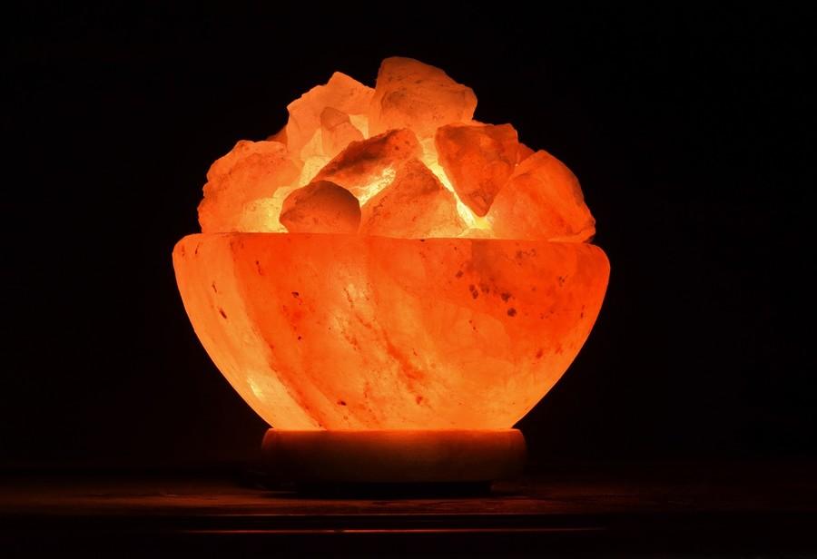 Regalare una lampada di sale: perchè una buona idea?