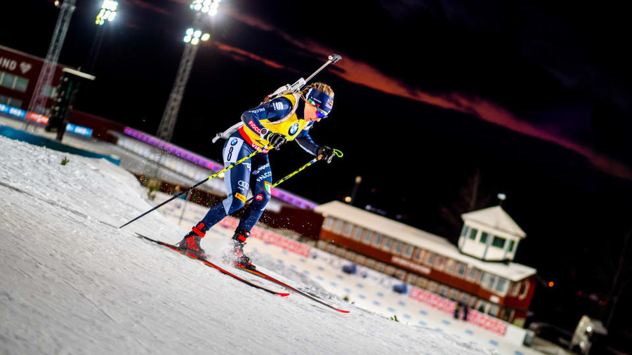 Dorothea Wierer pattina verso il successo nella prima gara individuale della stagione