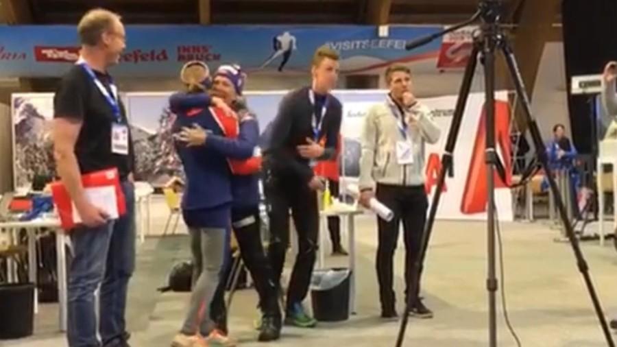 VIDEO - Guarda Østberg esultare per la medaglia d'oro della staffetta norvegese di combinata nordica