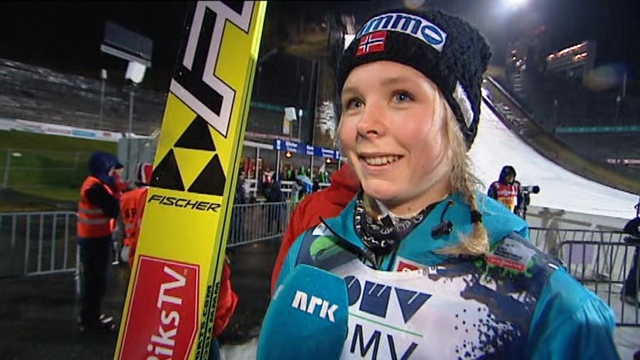 Salto: Maren Lundby domina a Lillehammer nella prima gara di Coppa del Mondo
