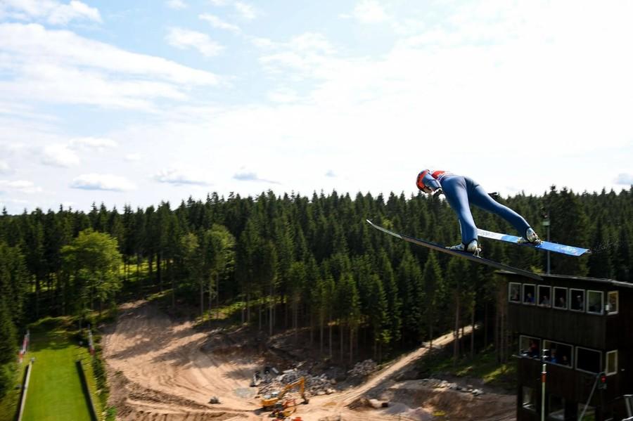 Salto con gli sci - Cinque donne e tre uomini per l'Italia nella tappa di FIS Cup a Einsiedeln