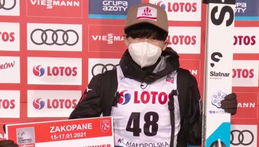 Salto con gli sci - Yukiya Sato vince la strana qualificazione di Zakopane; Insam e Bresadola superano il taglio
